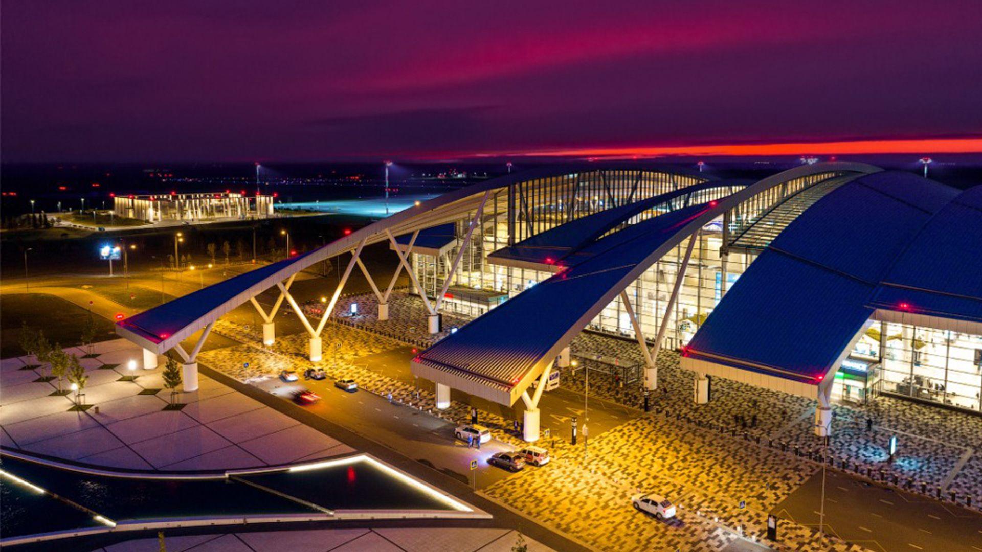 airport_podsvetka_fasada_03